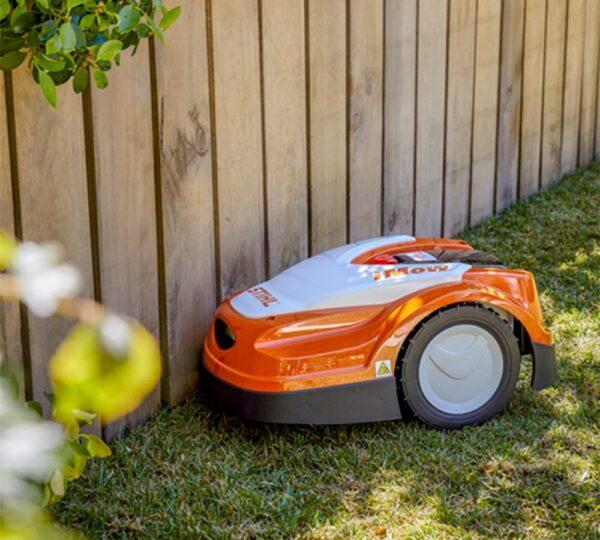 RMI 422 robotgräsklippare