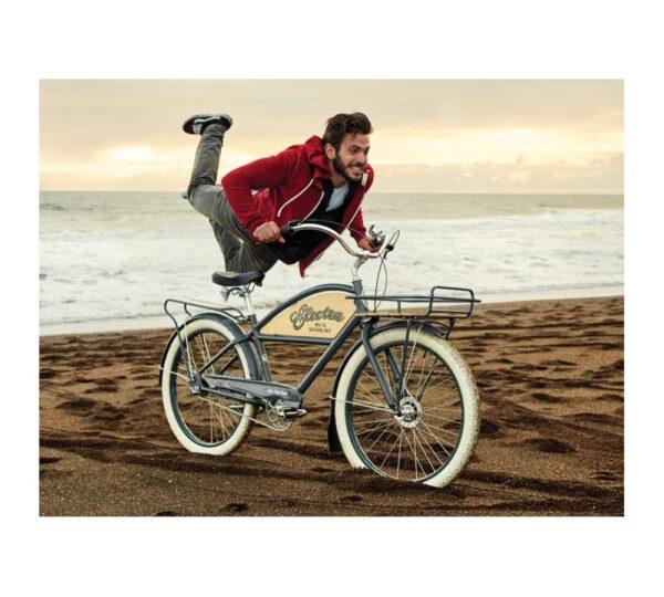miljöbild cruiser cykel på strand