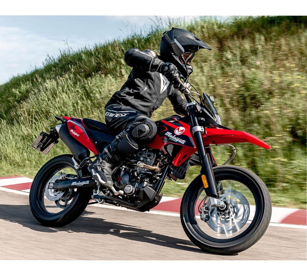 moped actionbild malaguti